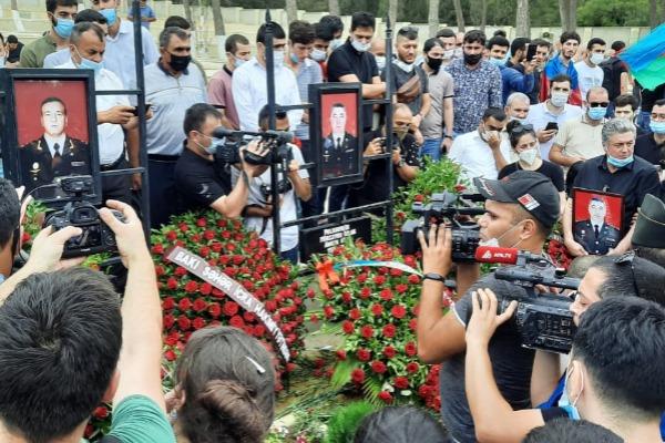 Şəhid general və polkovnik son mənzilə yola salındı